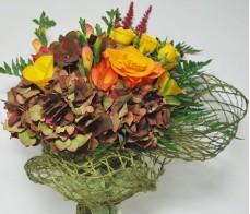 Buchet toamna hortensie, astilbe, trandafiri, frezie
